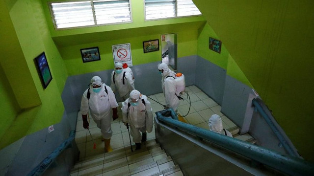 Koronavirüste örnek gösterilen ülkeden kötü haber