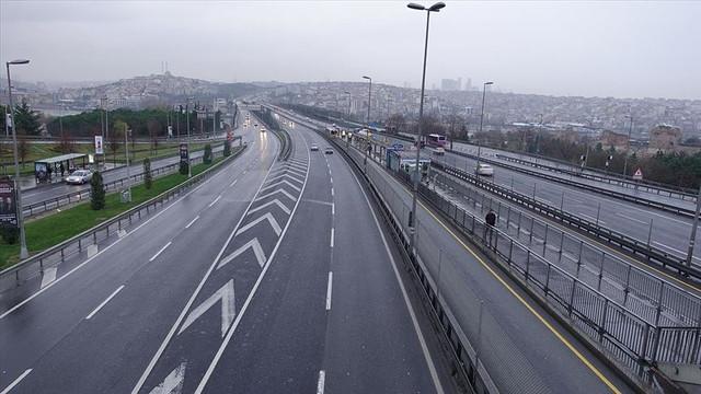 Türkiye'de yurt içi seyahatlere yasak gündemde
