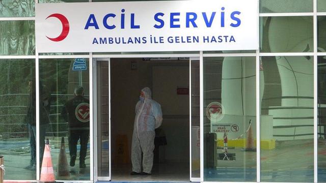 Koronavirüs şüphelisi kadın karantinayı duyunca hastaneden kaçtı