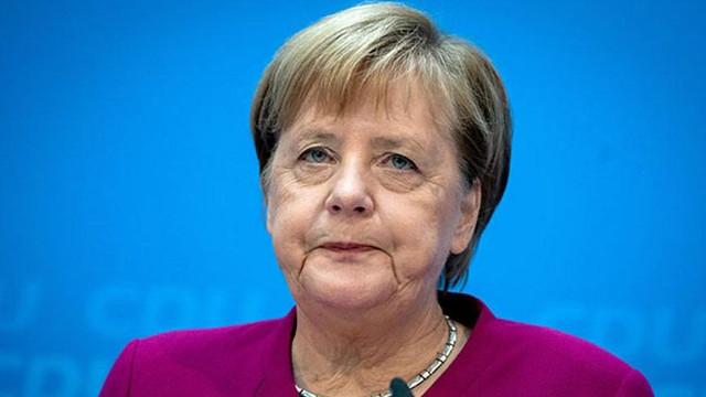 Merkel'in ikinci koronavirüs testi sonucu açıklandı