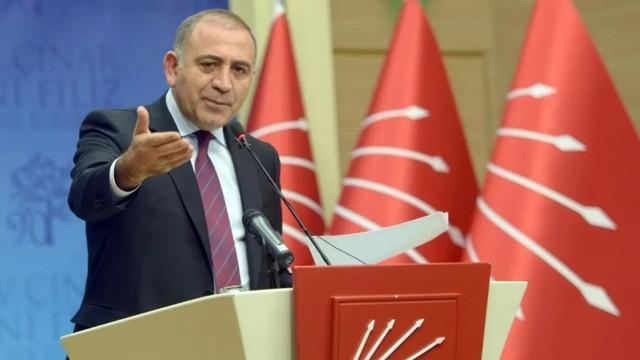 ''Erdoğan farklı konuştu, Sağlık Bakanı farklı konuştu hangisi doğru?''