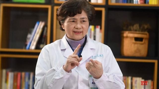 SARS ve koronavirüsü durduran profesör: 3 hafta evden çıkmayın!