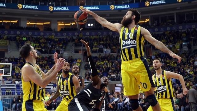 Fenerbahçe'de 4 kişi koronavirüse yakalandı