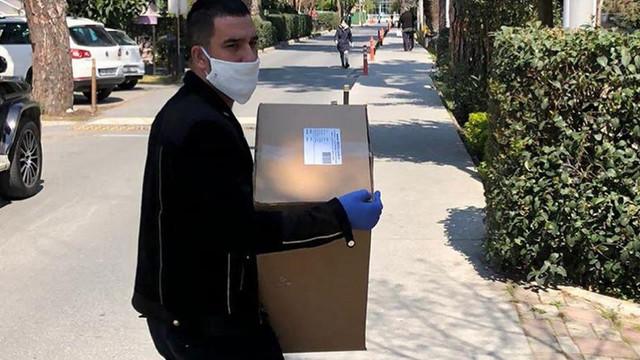 Arda Turan'dan 100 bin maske yardımı