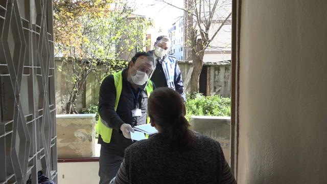 Kartal Belediyesi, sosyal yardım ücretlerini adreslere dağıtıyor