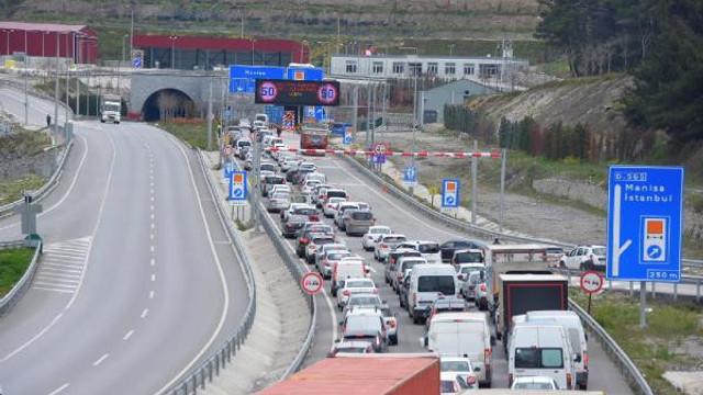 İzmir'de 6 kilometrelik yol 2 saat sürdü