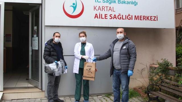 Kartal Belediyesi'nden doktor ve muhtarlara malzeme desteği