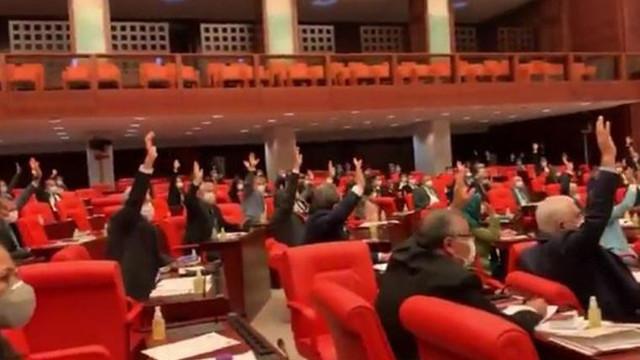 AK Parti ve MHP'den sağlıkta şiddet yasa teklifine ret!