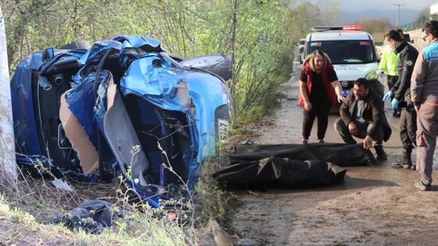 Kocaeli'de korkunç kaza: 3 ölü, 1 yaralı