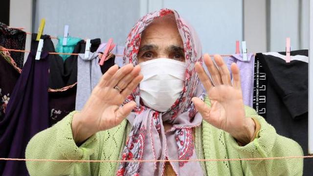 Koronavirüsü yenen yaşlı kadının iki oğlu da virüsten öldü