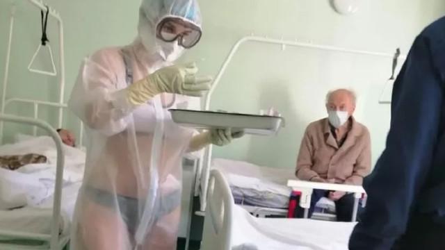 Hastanede skandal görüntü! Bikinili hemşireye ceza verildi!