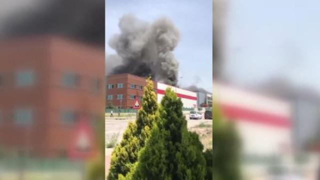 Ankara'da tıbbi ekipman fabrikasından yangın