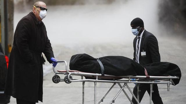ABD'de koronavirüs ölümleri 100 bine koşuyor