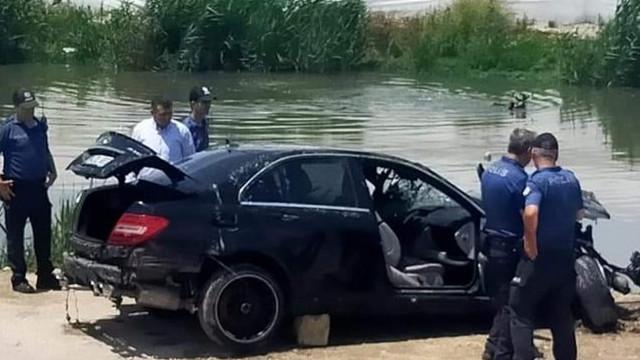 Mersin'de bir araç sulama kanalına uçtu: 3 ölü