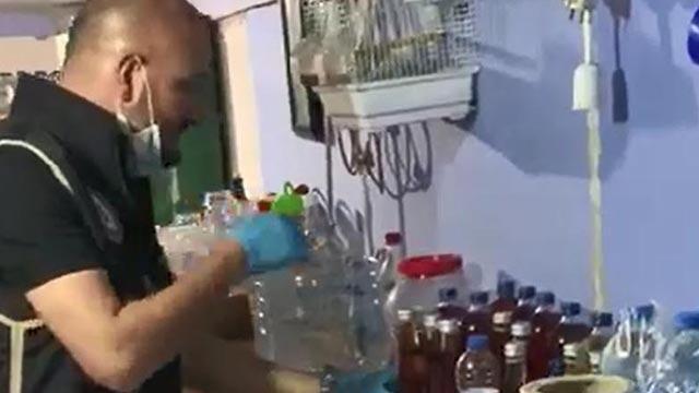 Evini içki imalathanesine çevirdi! Bakın evinden neler çıktı!