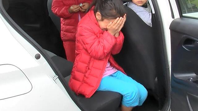 İstanbul'da bir aile çocuklarını araçta bırakıp gidince olanlar oldu