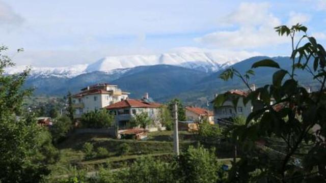 Ilgaz dağı mayıs ayında yağan kar ile beyaza büründü