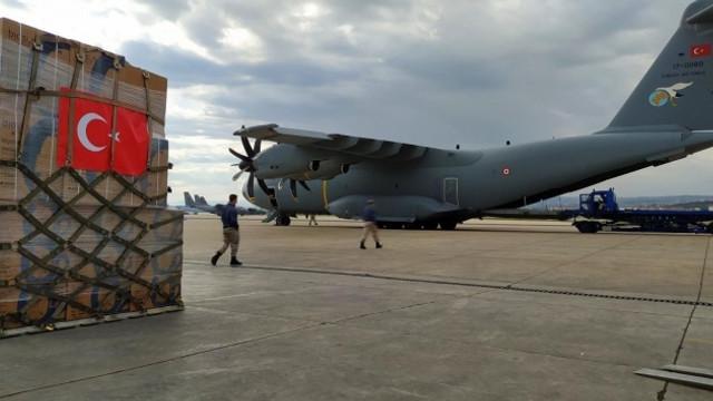 Türkiye'den bir ülkeye daha tıbbi yardım uçağı havalandı
