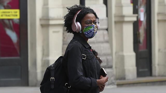 İngiltere'den koronavirüsle mücadelede yeni sistem