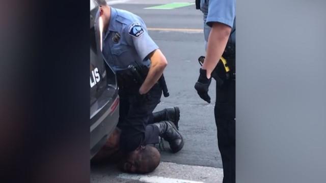 Trump, polisin öldürdüğü siyahi hakkında ilk kez konuştu