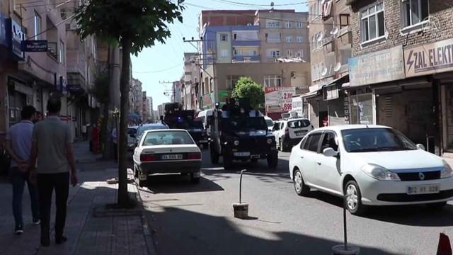 Dur ihtarına uymayıp ateş etti: 1 polis şehit