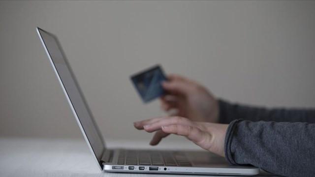 Nisan ayında internetten en çok satılan alınan ürünler belli oldu!