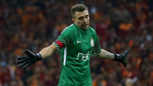 Fernando Muslera'dan transfer açıklaması