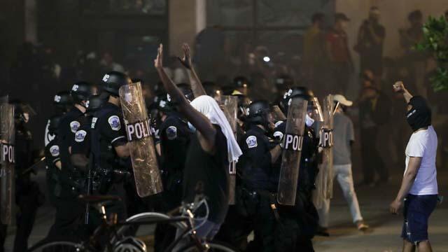 ABD'nin merkezinde 2 günlük sokağa çıkma yasağı ilan edildi