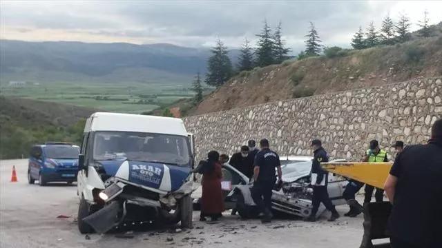 Afyonkarahisar feci kaza: Anne ve 4 aylık bebeği öldü