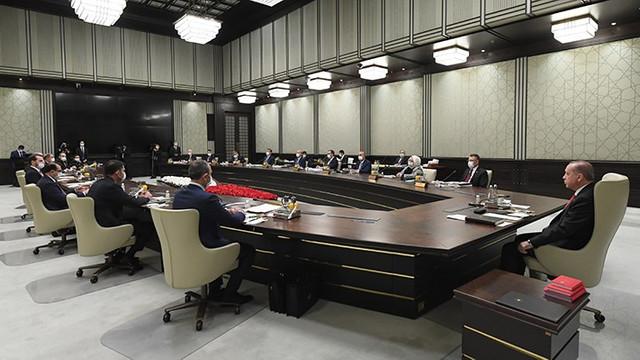 Kabine revizyonu derinleşiyor: 2 bakanlık bölünecek!