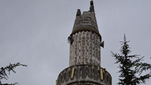Tokat'da camiye yıldırım düştü! Minaresi yerle bir oldu