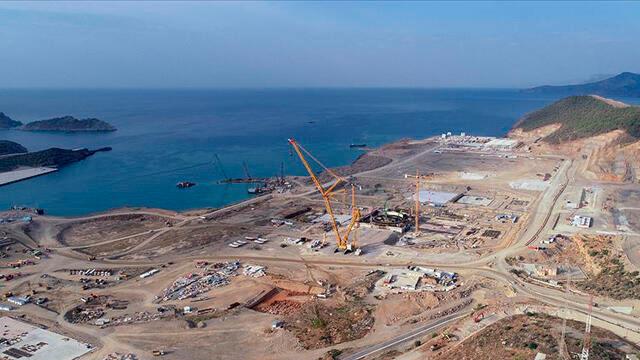 Bakan Dönmez, Akkuyu Nükleer Güç Santrali'nde incelemelerde bulundu