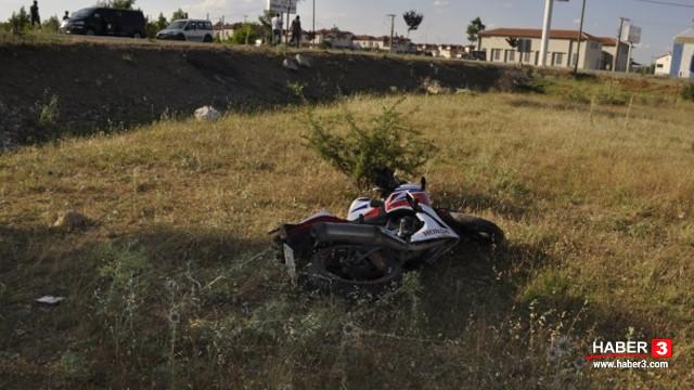 Yarış motosikleti şarampole uçtu! 2 kişi yaralandı