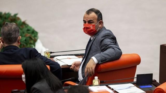 AK Partili vekilden Türk bayraklı ve Atatürk imzalı maskeye tepki