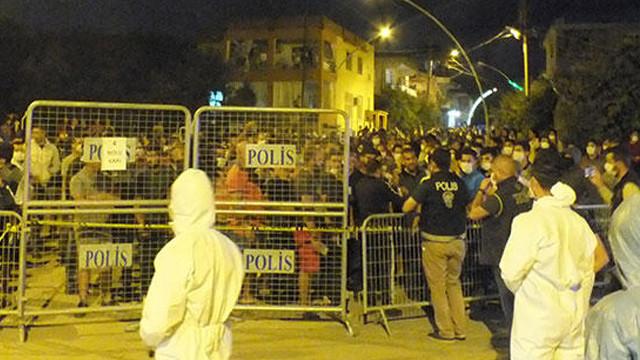 Antalya'da bir sokakta uygulanan karantina 1 hafta uzatıldı
