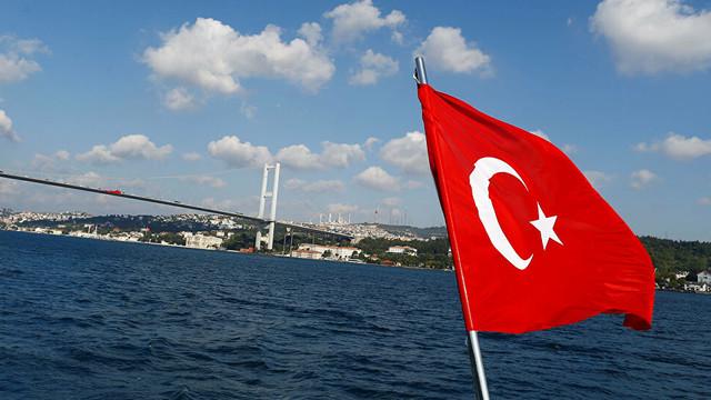 Türkiye'ye 3.2 milyar dolarlık yatırım yapan 9 bin 11 kişi Türk vatandaşı oldu
