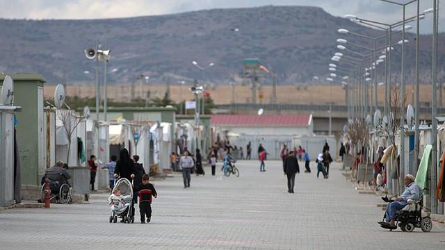 Suriyelilere iş bulmak için dış borç aldık!