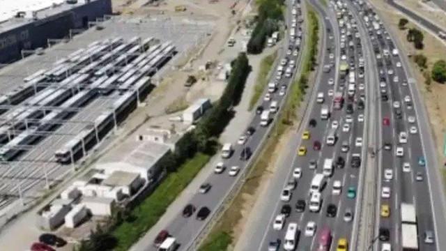 İstanbul'dan kaçış başladı! İşte trafikte son durum