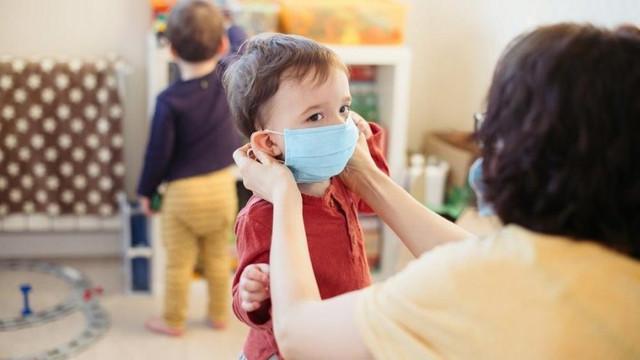 Çocuklar için korkutan corona virüsü açıklaması