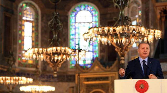 Erdoğan imzayı attı! Ayasofya resmen ibadete açıldı!