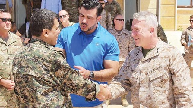 ABD'li komutan teröristbaşı Mazlum Abdi ile görüştü