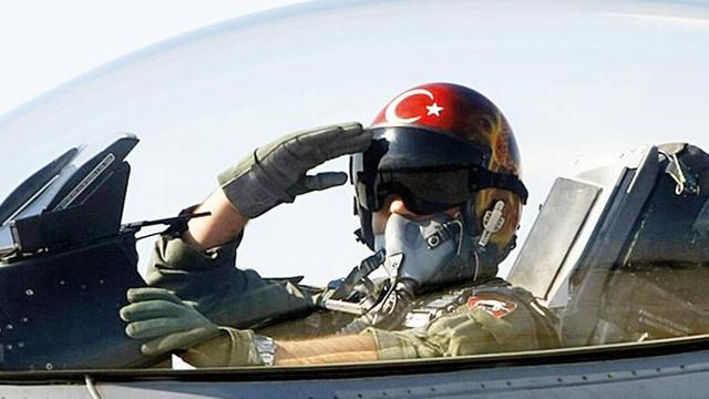 FETÖ'den F-16 pilotlarına ilaçlı kumpas