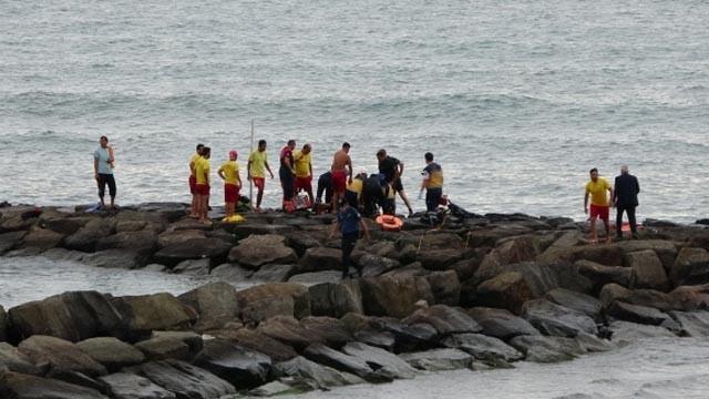15 yaşındaki çocuk serinlemek için girdiği denizde az kalsın boğuluyordu
