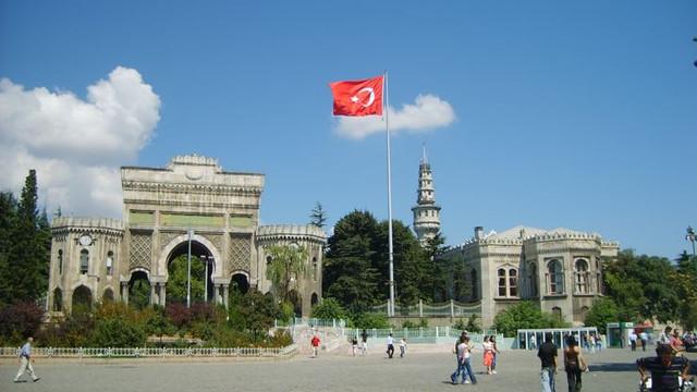 İstanbul Üniversitesi'nde profesöre taciz suçlaması!