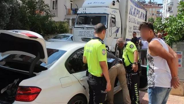 Polisin üzerine araç sürüp kaçtı: ''Mafya zannettim''