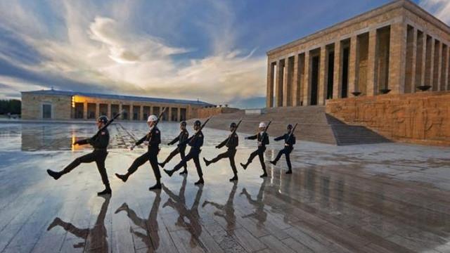 TSK'dan dikkat çeken ''Anıtkabir'' paylaşımı