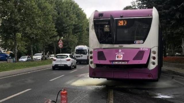 Beşiktaş'ta seyir halindeki yolcu otobüsü alev aldı