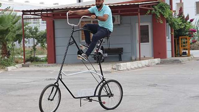 Çılgın Türkler iş başında: Bu da sosyal mesafe bisikleti!