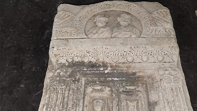Mezar taşını dahi çalan 5 defineci tutuklandı