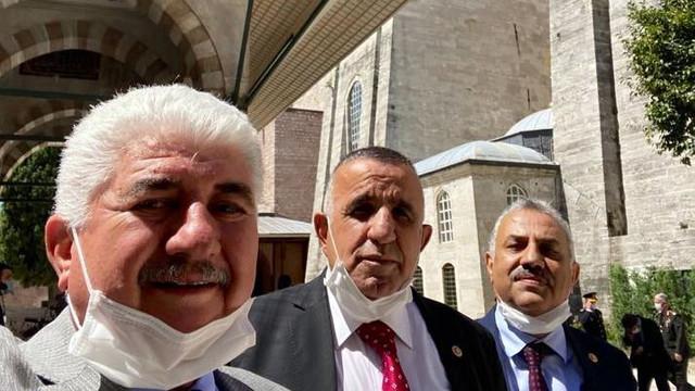 Ayasofya'nın açılışına katılan AK Partili vekil koronavirüse mi yakalandı ?